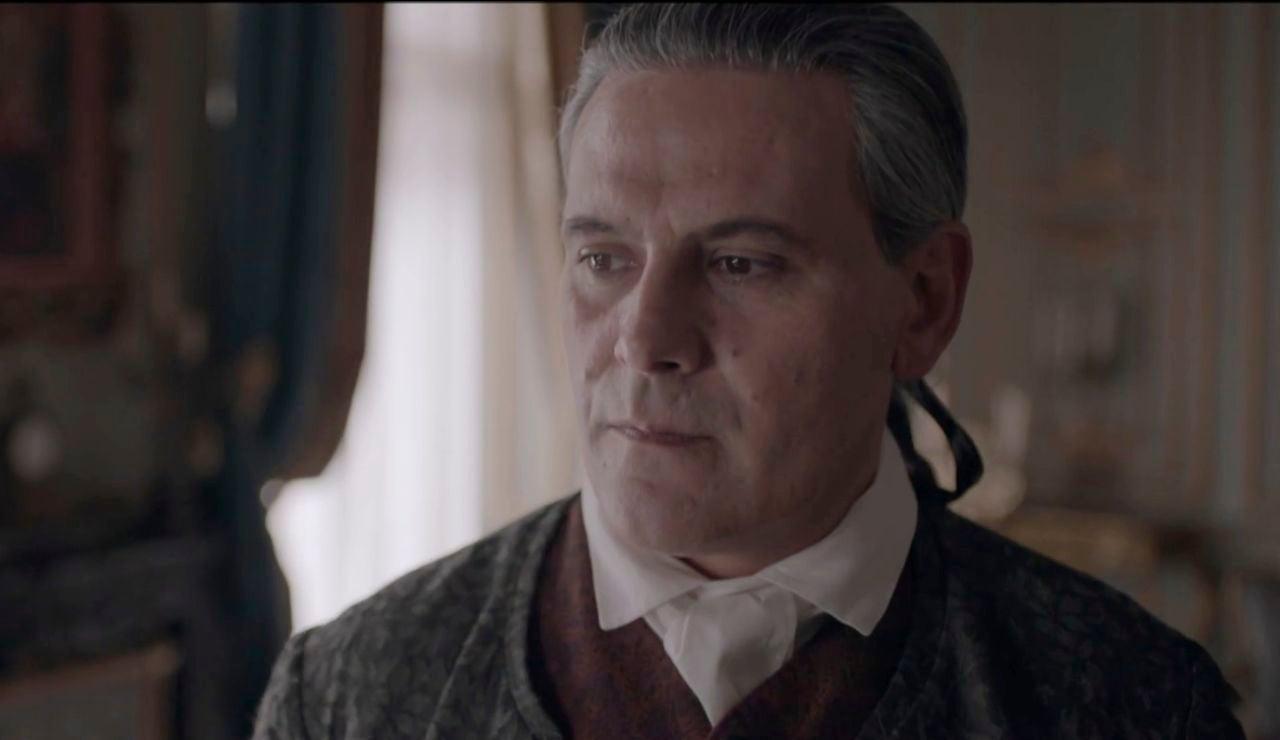 En el último capítulo, Clara se marcha de Castamar antes de la boda de Amelia y Diego