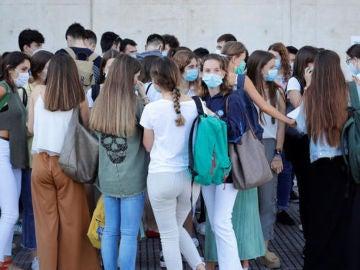 Estudiantes, tras realizar los exámenes de selectividad
