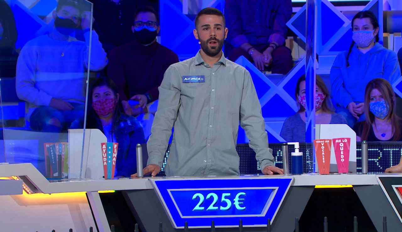 El bloqueo total de Alejando a falta de dos consonantes en 'La ruleta de la suerte'