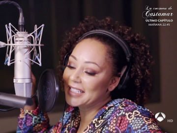 Nos colamos en el estudio de grabación con Mel B.: ¡así se esforzó para lograr cantar en español!