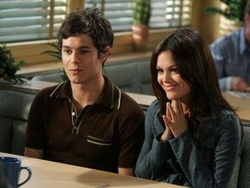Adam Brody y Rachel Bilson en 'The O.C.'