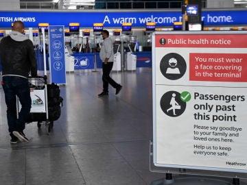 Aeropuerto en pandemia de covid-19