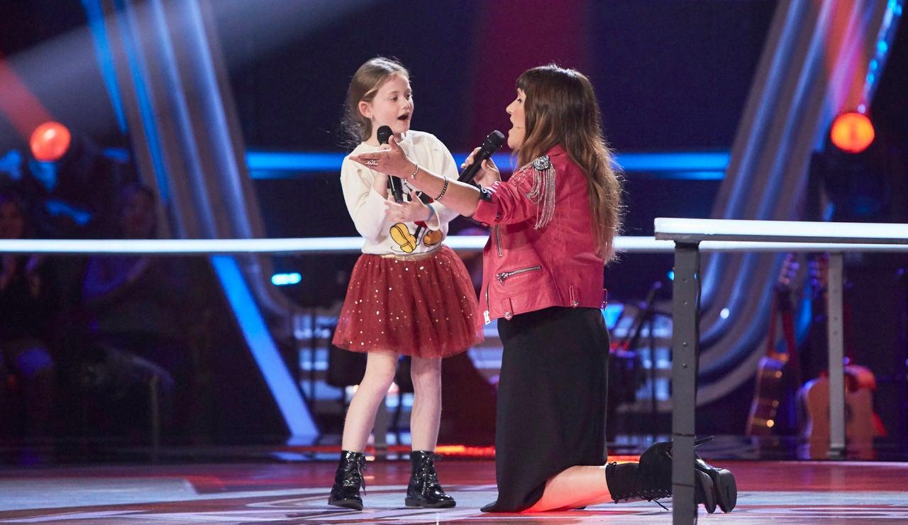 ¡Momento para llorar! Rozalén canta con Sofía Pérez la versión más conmovedora de 'La puerta violeta'