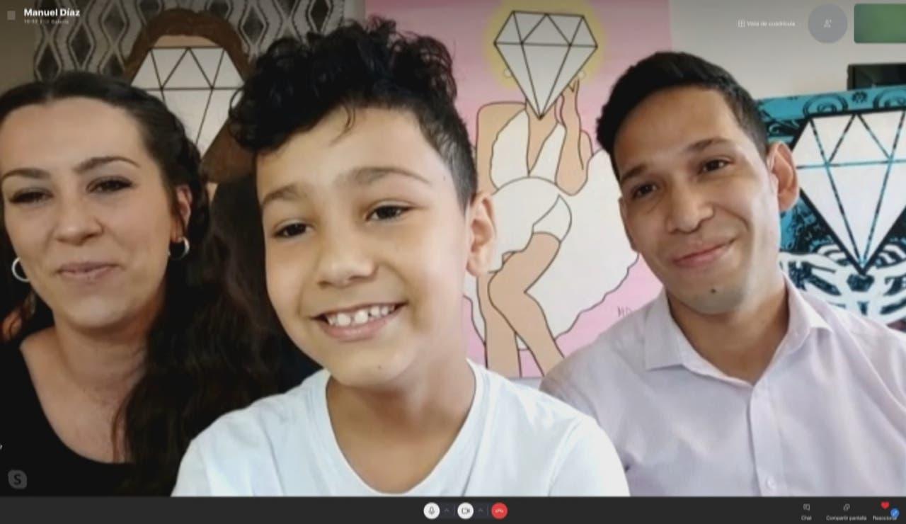 Manuel, el niño pintor de 8 años que vende sus cuadros en Miami