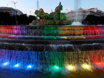 ¿Por qué no ondeará la bandera del Orgullo Gay en el Ayuntamiento de Madrid?