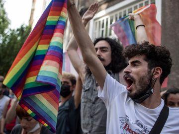 La Policía dispersa una marcha del Orgullo en Estambul