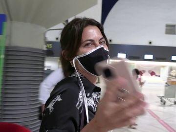 Maria José Suárez, en el aeropuerto
