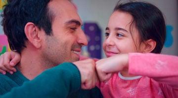 """Las palabras de Öykü dejan sin aliento a Demir: """"Me alegro de estar enferma"""""""