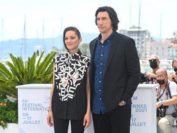 Adam Driver y Marion Cotillard en el Festival de Cannes