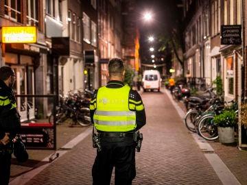 La Policía investiga investiga el tiroteo a un reportero de investigación en Ámsterdam