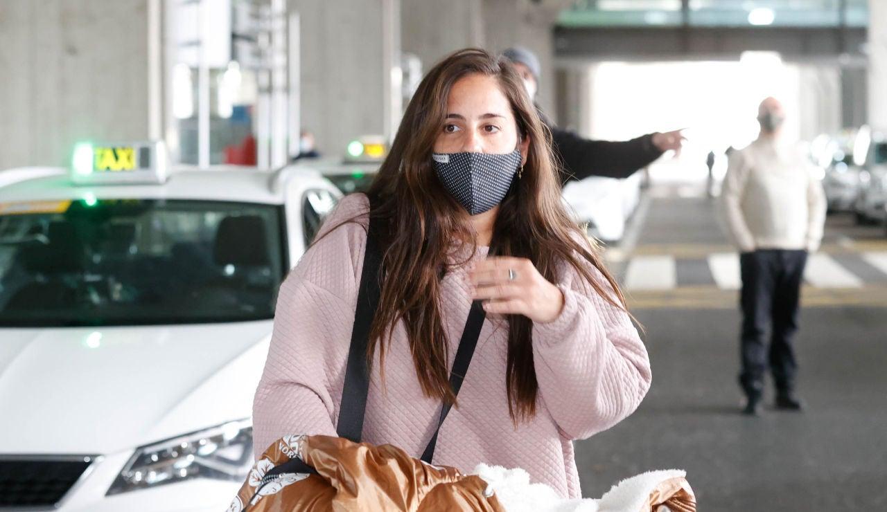 Anabel Pantoja, en el aeropuerto de Madrid