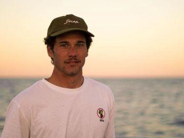 Muere el surfista español Óscar Sierra al ser golpeado por una ola gigante