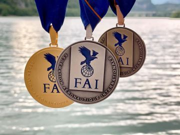 Horacio Llorens arrasa en el Mundial de Parapente Acrobático 2021 con tres medallas