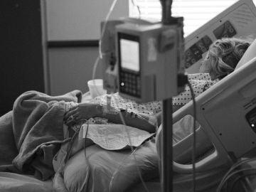Colegios Oficiales de Médicos apuestan por la sedación paliativa frente a la eutanasia