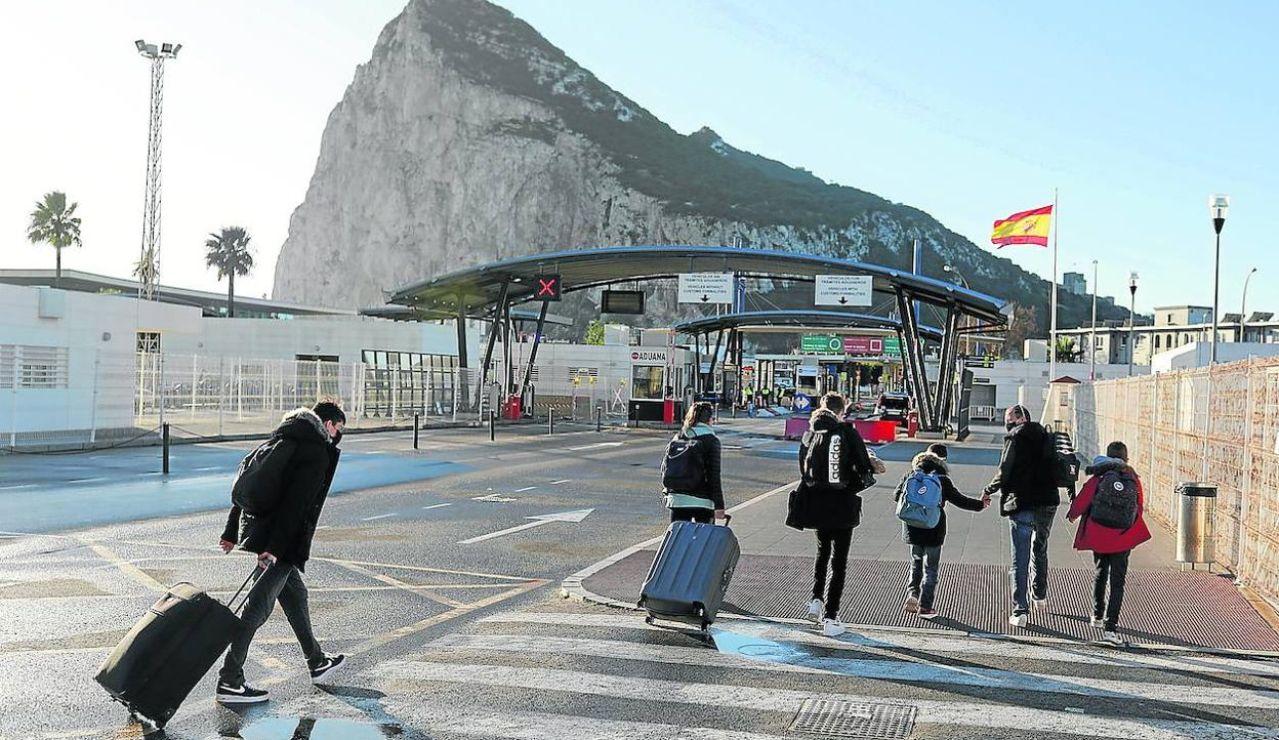 """España cumplirá todo lo acordado con el Reino Unido sobre Gibraltar porque """"hay muchos intereses en juego"""""""