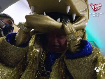 La mayor dificultad de Bertín Osborne con la máscara del Cocodrilo: ¡la cabeza!