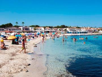 Playa de Punta Prima, en Menorca