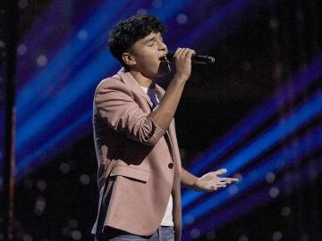 Manuel Ayra canta 'Te extraño' en la Final de 'La Voz Kids'