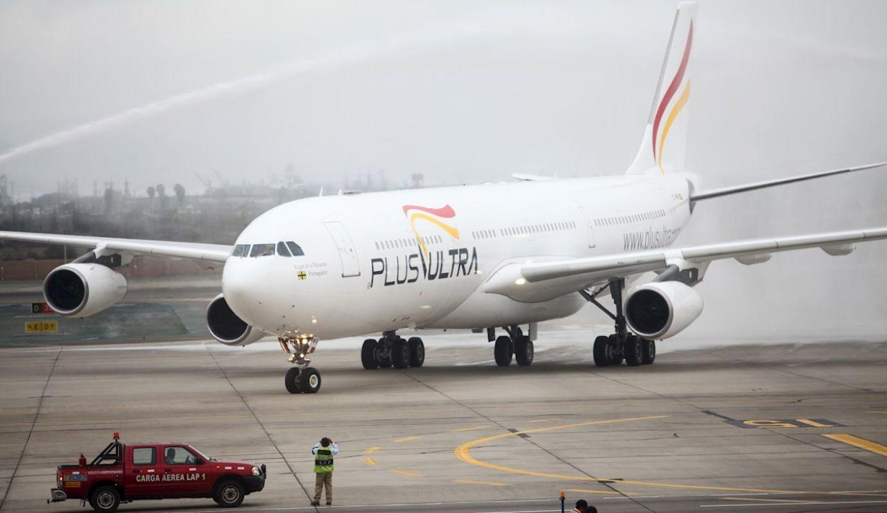 Un avión de la aerolínea española Plus Ultra