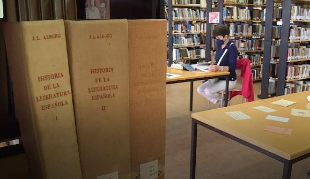 La biblioteca circulante de Castropol cumple casi 100 años con un recuerdo al primer ejemplar prestado