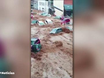 Fenómenos extremos como incendios, inundaciones y tormentas protagonizan el fin de semana en el mundo