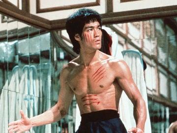 La adicción a las drogas de Bruce Lee que desvelaron sus cartas ocultas.