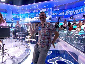 """""""¡Madre mía qué acento!"""": Marco Antonio convierte el plató en un karaoke gracias a 'Walk Like an Egyptian'"""