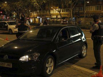 Uno de los diversos controles policiales del cuerpo de los Mossos d'Esquadra, durante el estado de alarma