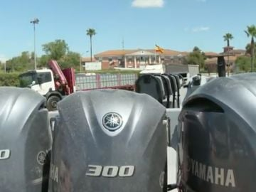 Narcolanchas aparcadas en las calles de Dos Hermanas