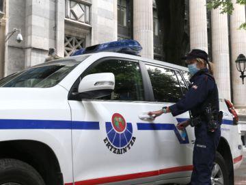 Detenido un hombre tras acuchillar a su pareja y huir con su bebé en Berriz (Bizkaia)