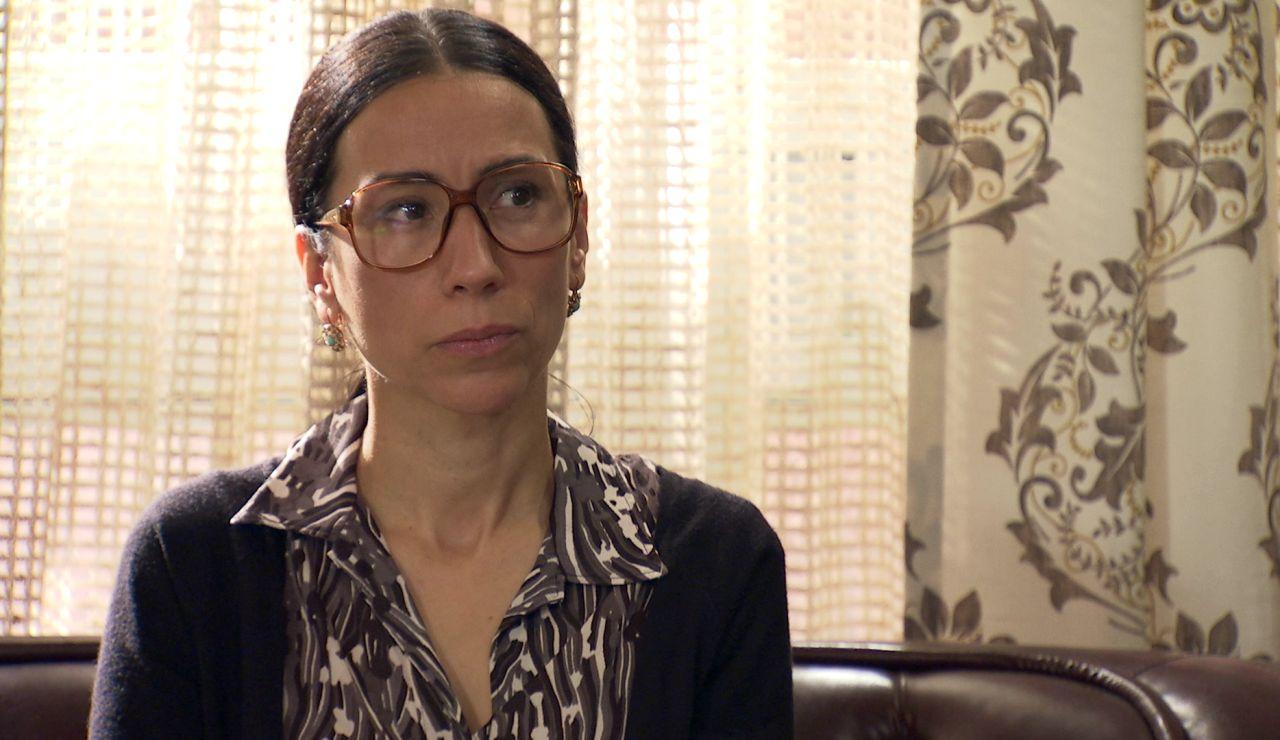 Manolita, interrogada por el inspector Ramos: ¿saldrá libre de sospecha por esconder a Anabel?