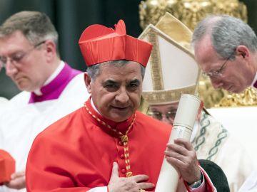 El exprefecto de la Congregación para las Causas de los Santos, el cardenal Angelo Becciu.