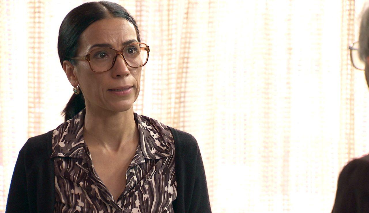 Manolita, consciente de la verdad, trama su venganza contra Beltrán