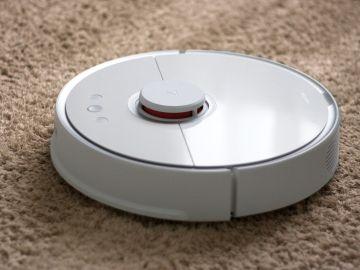 Confunden un robot aspirador que se salió de una casa con una bomba lapa