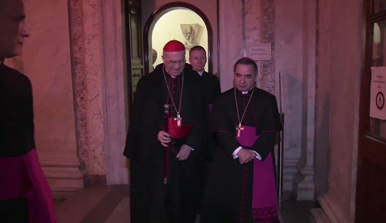 El Vaticano lleva por primera vez a juicio a un cardenal acusado por varios escándalos financieros
