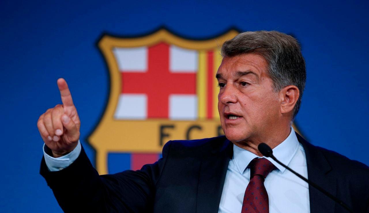 Barcelona declara 481 millones de euros en pérdidas y ratifica a Ronald Koeman