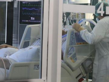 Muere por coronavirus un joven de 27 años en Tenerife que no estaba vacunado