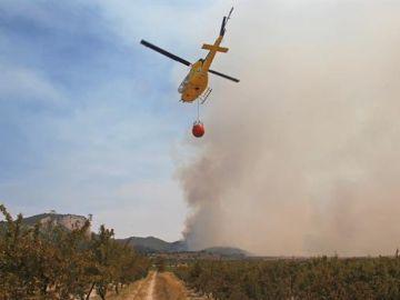 Empeora el incendio de Alcaracejos, en Córdoba, que ya ha arrasado más de 370 hectáreas