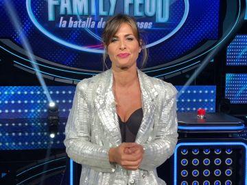 ¿Tendrá Nuria Roca predilección por uno de los equipos?: La presentadora de 'Family Feud' responde