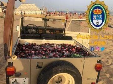 Multan a un hombre que intentaba entrar en una playa en un todoterreno con 200 botellines de cerveza