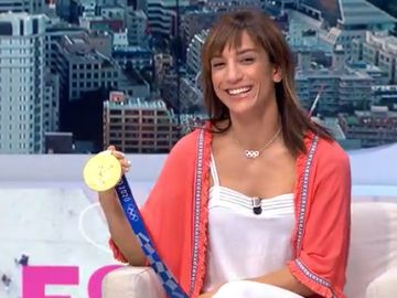 Sandra Sánchez, ganadora de la medalla de oro en kárate en los JJOO de Tokio, visita el plató de Espejo Público
