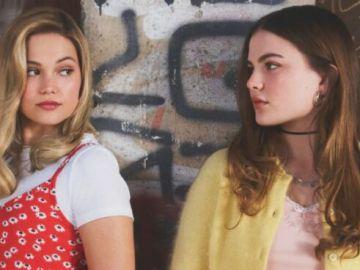 Olivia Holt y Chiara Aurelia en 'Cruel Summer'