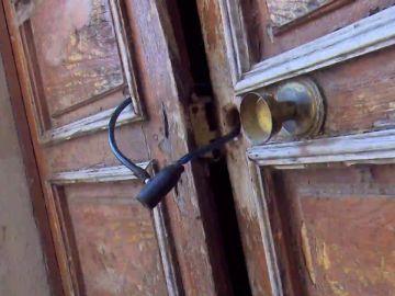 Okupa Zaragoza: El propietario cierra la puerta con candado y la okupa llama a la policía para que le abra