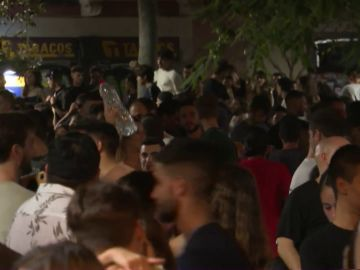 Disturbios y desalojos en San Sebastián y Barcelona por la celebración de botellones y fiestas