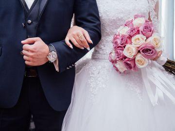 Envían la factura a los invitados que confirmaron su asistencia a la boda y no acudieron