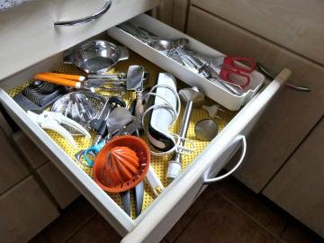 Utensilios de cocina desordenados