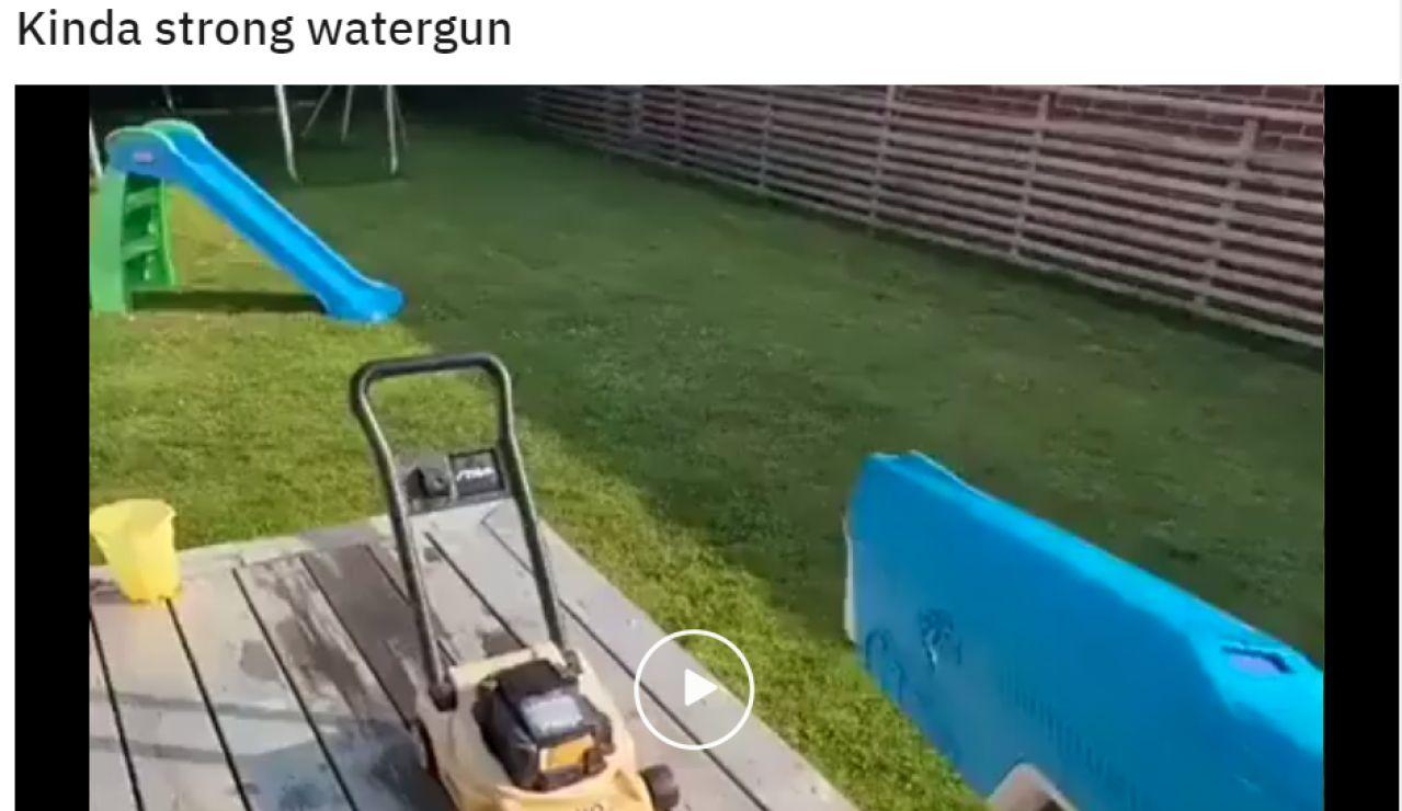 Se hace viral una pistola de agua por lo peligrosa y potente que es