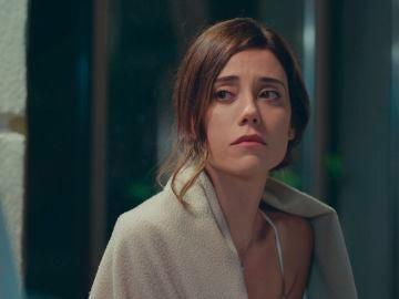 """Asya se sincera ante la dura realidad de Nil: """"Me está engañando, tengo mucho miedo"""""""
