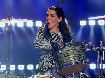 Ruth Lorenzo demuestra que es una artista total… ¡tocando la batería!