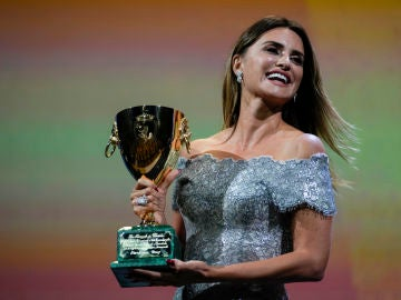 Penélope Cruz gana la Copa Volpi a la Mejor Actriz en el Festival de Venecia